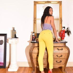 Hannah Anderson Yellow jeggings